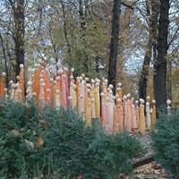 Les folles d'enfer intallées dans les jardins de la Salpêtrière